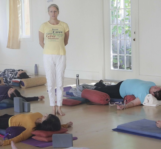 "<div style=""line-height: 1.3; color: #efa110; font-family: catamaran;"">Restorative Yoga Weekend Retreat<span style=""display: inline-block;"">with Sundari</div>"