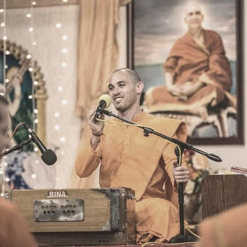 """<div style=""""line-height: 1.3; color: #efa110; font-family: catamaran;"""">Finding Peace in Daily Life: Teachings from the Bhagavad Gita</br></span>with Swami Paramananda</span></div>"""